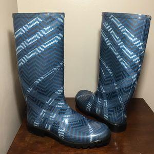 RARE Burberry blue zig zag pattern rain boots sz 7